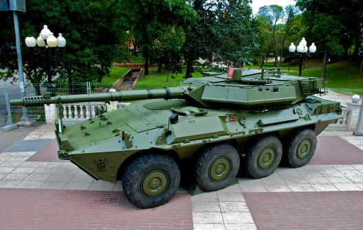 Centauro_tank_destroyer_in_spanish_armed_forces_day-FOTO-3